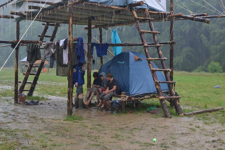 Au moins 140 camps scouts évacués, un centre de crise mis en place à Louvain-la-Neuve