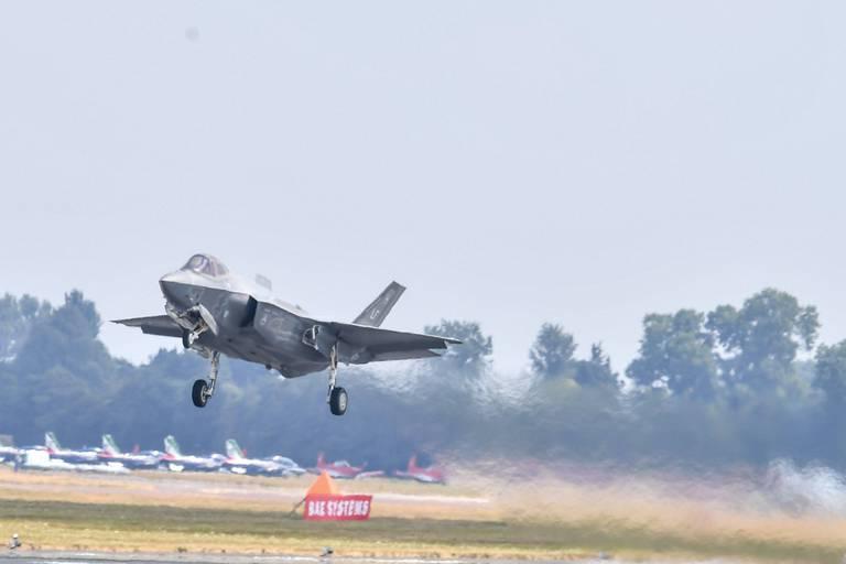 """Remplacement des F-16: l'offre américaine pour le F-35 est """"en dessous du budget"""" prévu par la Belgique"""