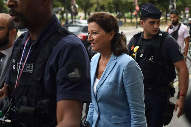 """La classe politique française gênée après la mise en examen de l'ex-ministre de la Santé Agnès Buzyn : """"Cela crée un précédent dangereux"""""""
