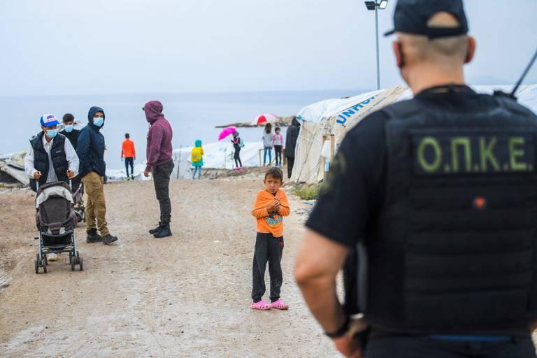 Un an après l'incendie du camp de Moria, le calvaire des migrants se poursuit