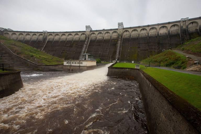 Le barrage d'Eupen aurait-il dû être vidé ? Pas sûr