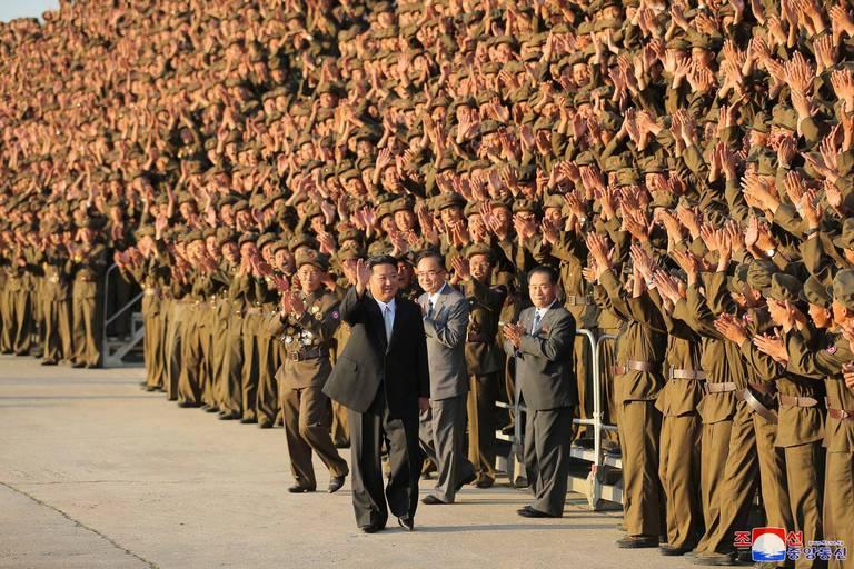 """Nouveau tir d'essai de missile par la Corée du Nord, """"des menaces"""" pour ses voisins"""