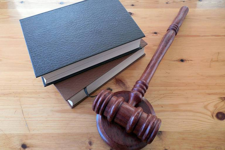 Toutes les décisions de justice seront bientôt publiées sur internet : pourquoi cette loi soulève des enjeux démocratiques importants