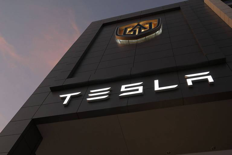 "Tesla s'offre une ""giga-usine"" en Chine"