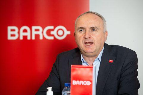 Barco : les raisons du changement au top
