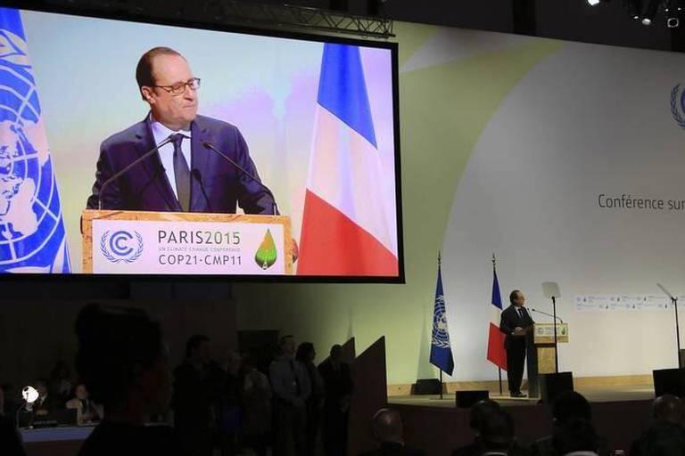 """Hollande: la COP21, """"un immense espoir que nous n'avons pas le droit de décevoir"""""""