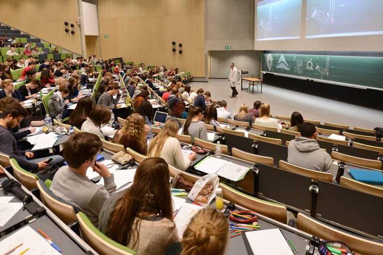 565 étudiants seulement en première année de médecine