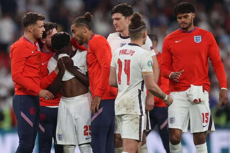 Angleterre - Italie: des joueurs anglais en larmes et inconsolables (PHOTOS)